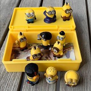 FREE Mini Minion Set
